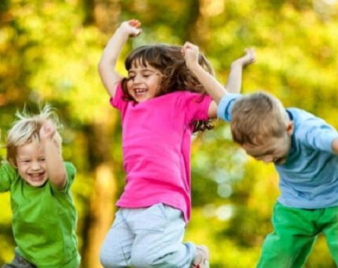 راهکارهایی برای تربیت کودک خوشحال و شاد